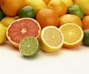 Mandarinų eterinis aliejus gauminamas iš